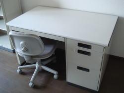 机・椅子(鶴山館)